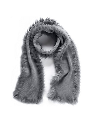 Peter Hahn - Knitted scarf with faux fur ends