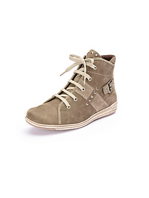 Theresia M. - Ankle-high lace-up shoes