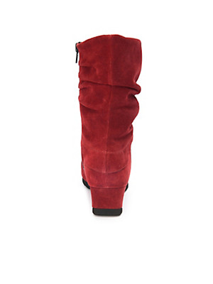Theresia M. - Boots