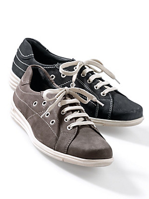 Theresia M. - Lace-up shoes