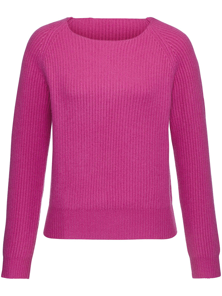 The softest jumpers are made from % cashmere yarn, which is three times warmer than lambswool while being extremely light. Many people who are allergic to wool find that they can wear cashmere without any problems.