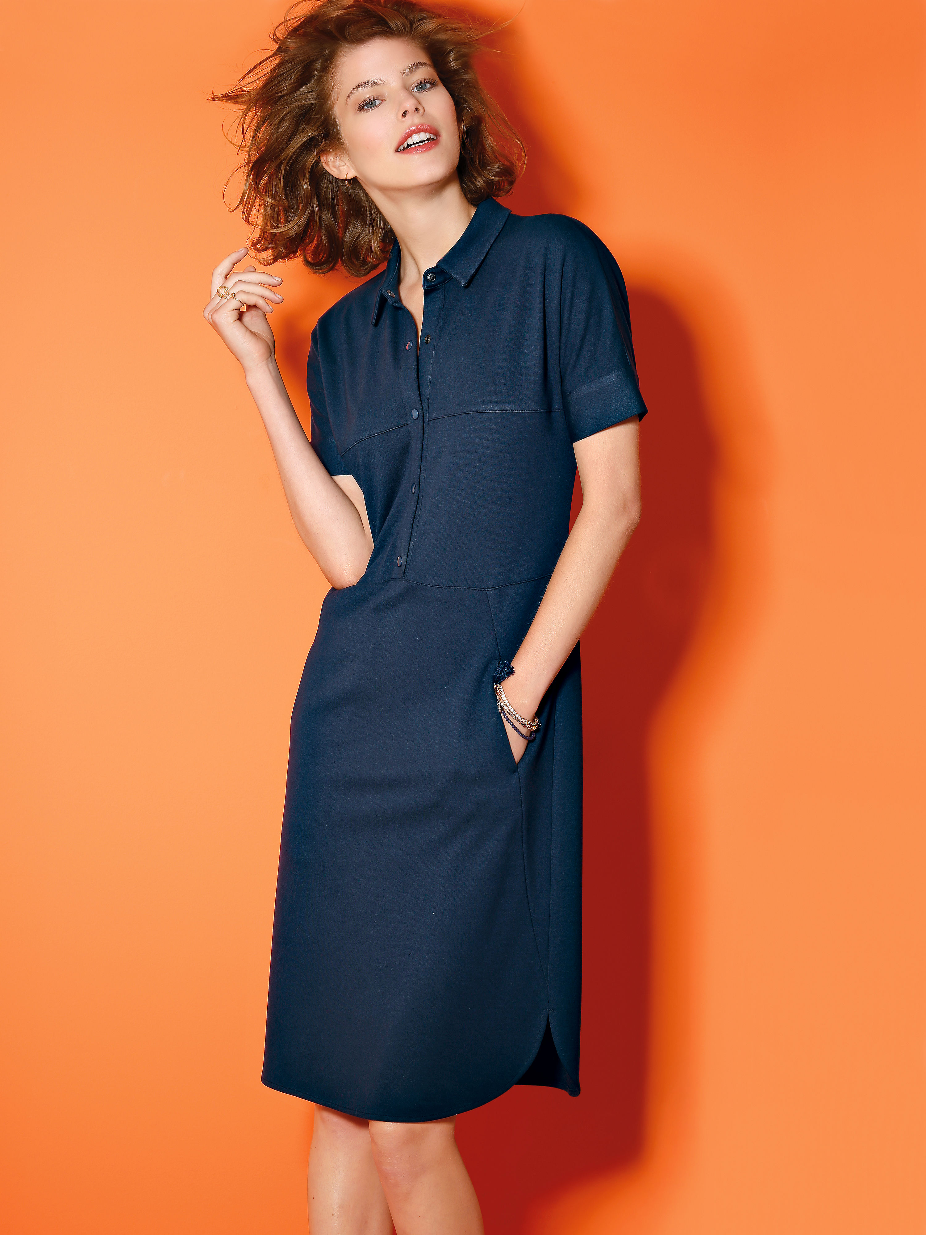 Dress with short sleeves from Looxent blue