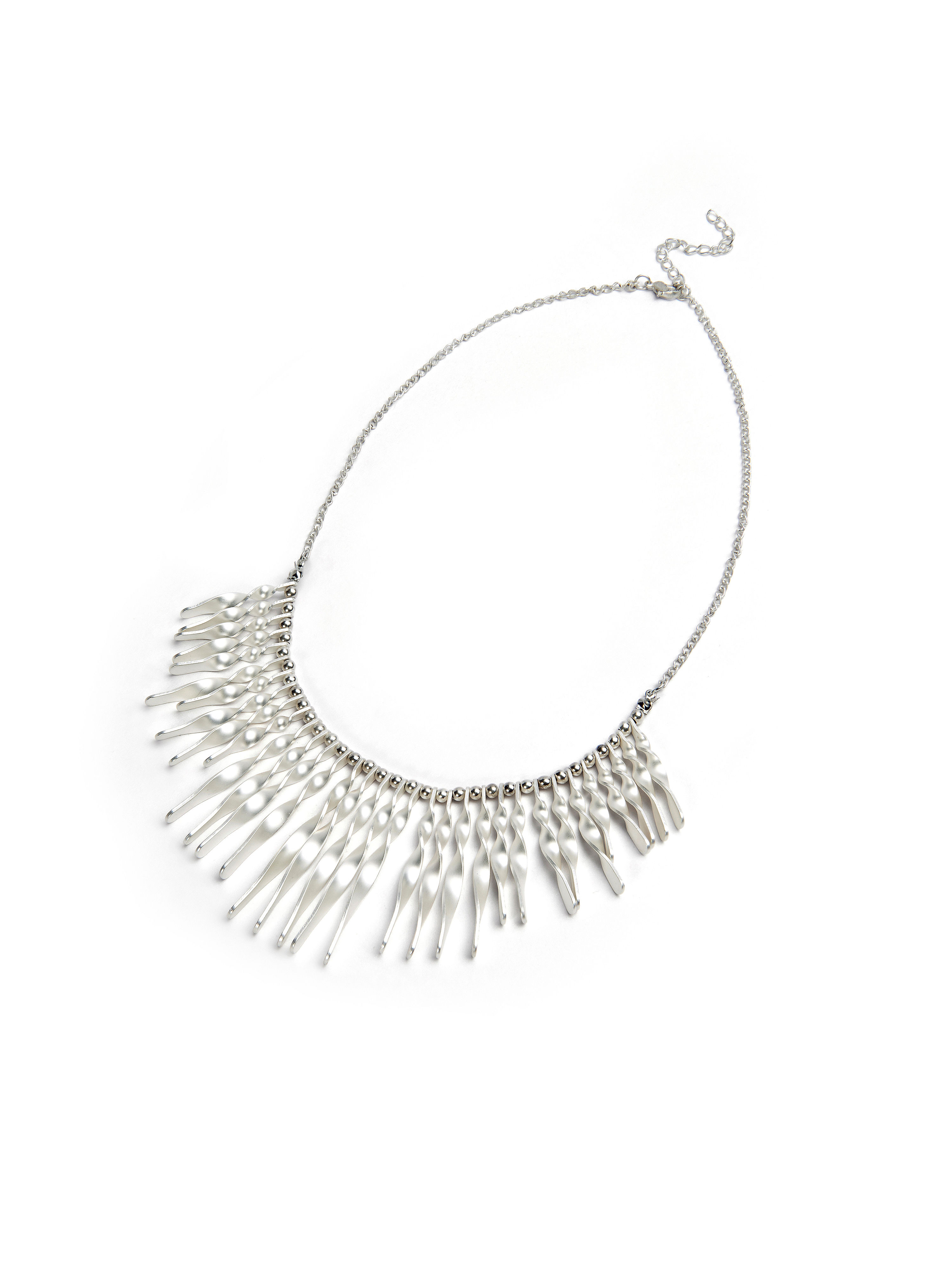 necklace-from-looxent-silver