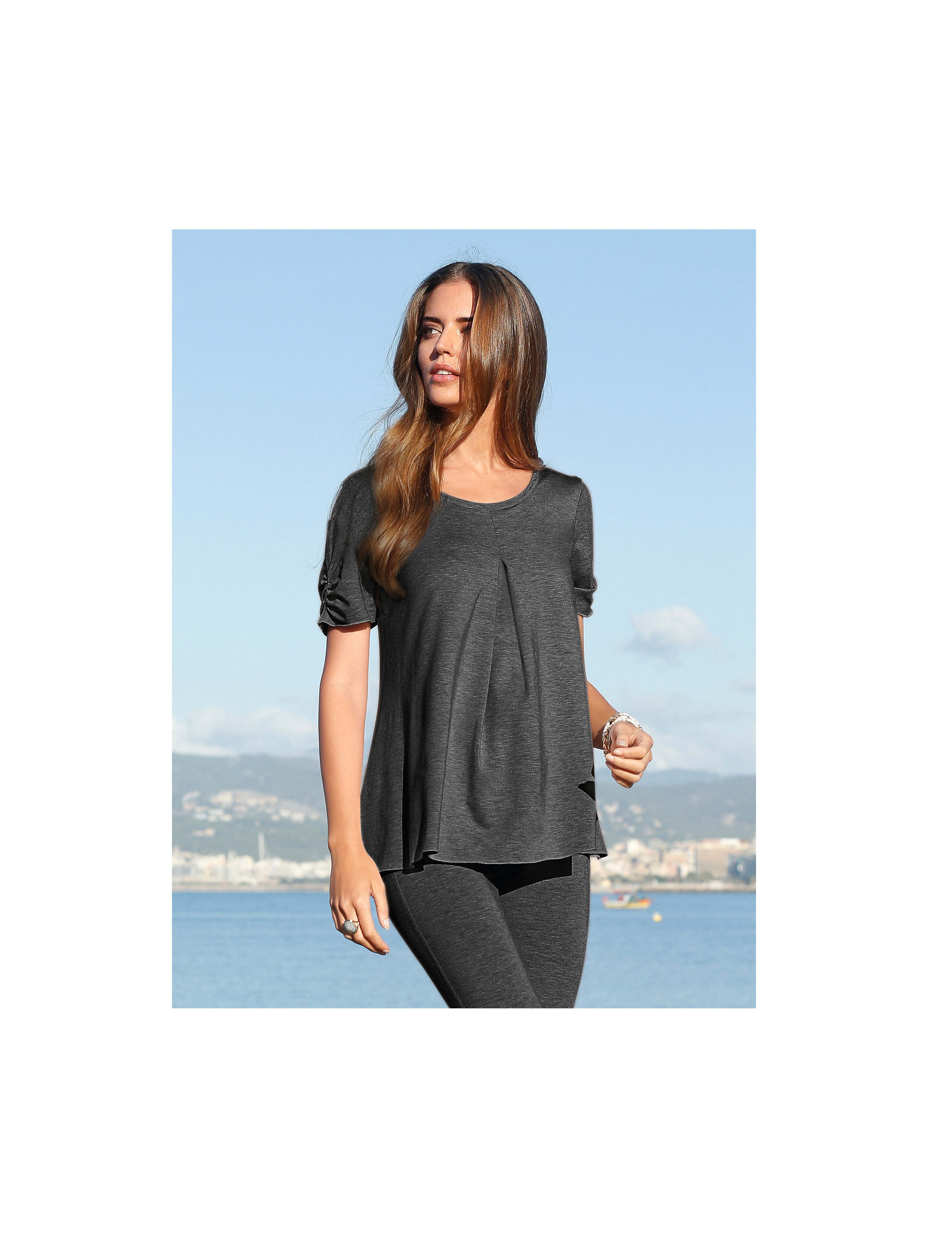 Round neck top from Peter Hahn grey