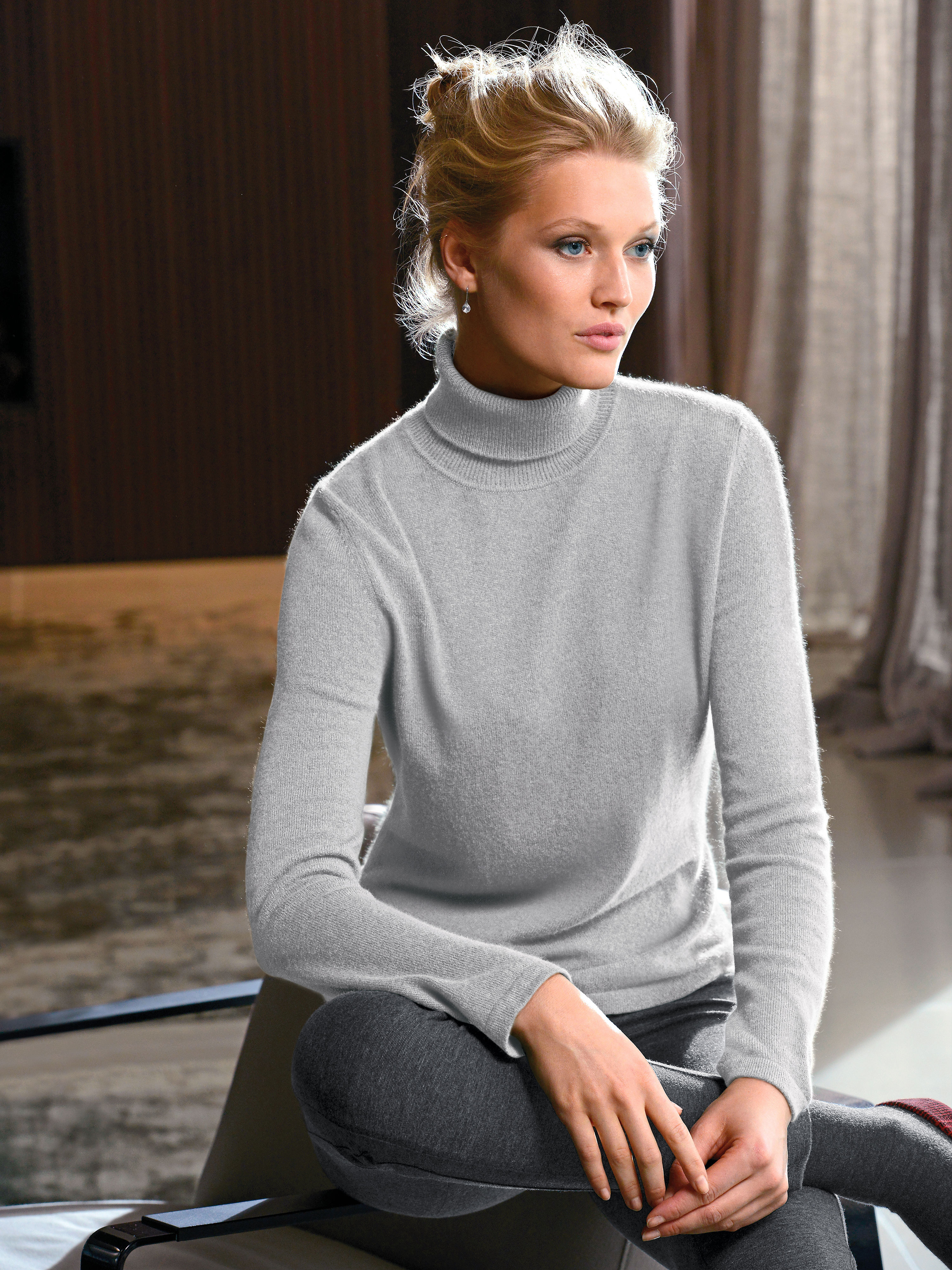 Polo neck jumper in 100 cashmere from Peter Hahn Cashmere grey